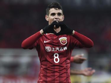 Der Brasilianer Oscar scheint den Fußball in China zu mögen