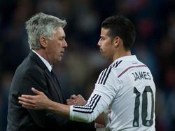Carlo Ancelotti (l.) und James Rodríguez kennen sich bestens aus gemeinsamen Zeiten bei Real Madrid