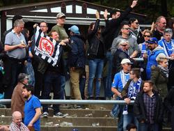 Einige Frankfurter Fans hatten sich ins Stadion gemogelt und sorgten für Ärger