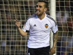 Paco Alcácer streift ab sofort das Trikot des FC Barcelona über