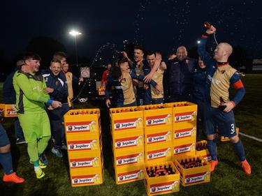 27 Kisten Bier bekam der East Kilbride FC von Ajax spendiert