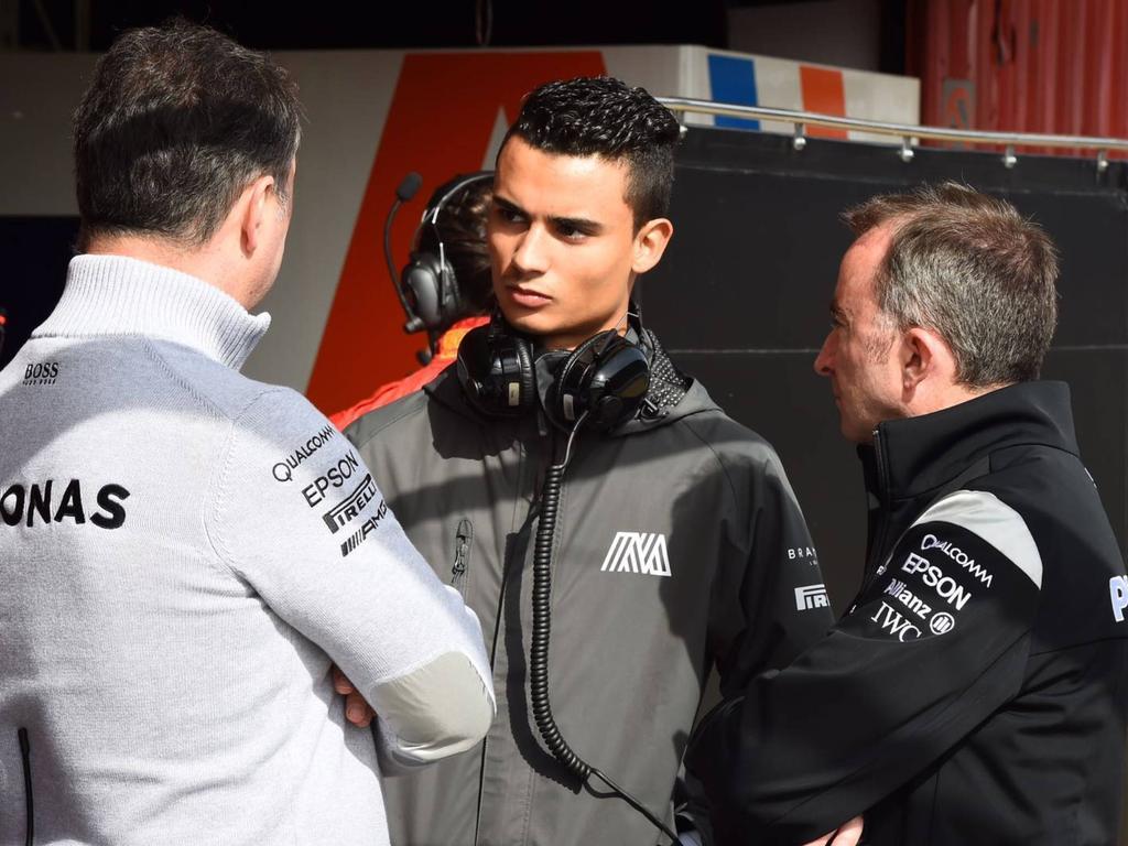 Pascal Wehrlein (M.) fährt in der neuen Saison für Sauber