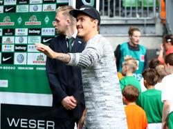 Der verletzte Werder-Profi Max Kruse vergnügte sich in Berlin