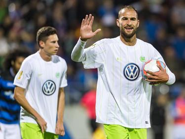 Bas Dost (r.) erhöhte früh auf 2:0 für den VfL Wolfsburg
