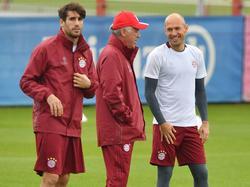 Ancelotti (Mitte) muss auf Martínez (l.) und Robben verzichten