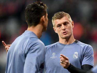 Cristiano Ronaldo (l.) kehrt rechtzeitig zum europäischen Supercup zurück