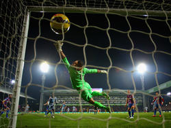 Julian Speroni bleibt Crystal Palace treu