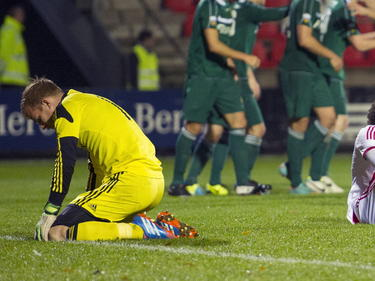 Maurits Schmitz baalt van het incasseren van een tegentreffer tegen Fortuna Sittard in de Jupiler League. (14-10-14)