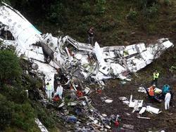 Die Wrackteile des Flugzeuges, in dem auch das Team von Chapecoense saß