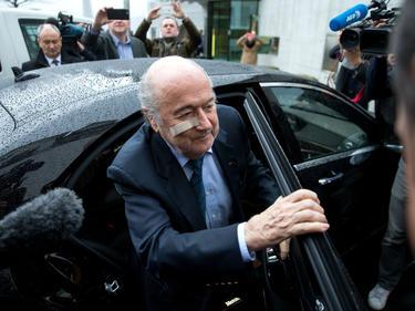 Blatter llega a una rueda de prensa del pasado mes de diciembre. (Foto: Getty)