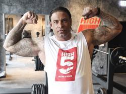 Tim Wiese lässt gern die Muskeln spielen