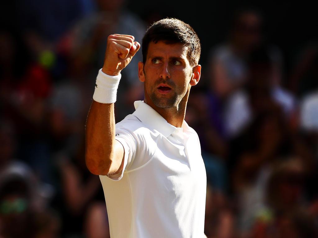 Tennis: Djokovic droht längere Pause - Operation am Ellbogen?
