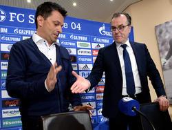 Der neue Sportvorstand Christian Heidel (l.) stärkt dem Aufsichtsratsvorsitzenden Clemens Tönnies (r.) den Rücken