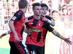 Maximilian Philipp (m.) will auch gegen Bayern gewinnen