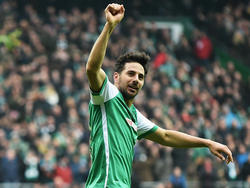 Claudio Pizarro hat allen Grund zum Jubeln - er hat das Tor der Saison erzielt
