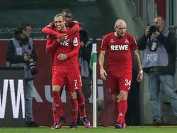 Kölns Marcel Risse (l. vorn) erzielte gegen Gladbach das Tor des Jahres