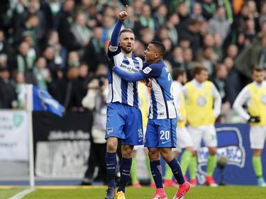Vedad Ibišević bejubelt seinen Führungstreffer gegen den VfL Wolfsburg