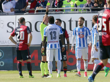 Sulley Muntari en la cancha del Cagliari. (Foto: Getty)
