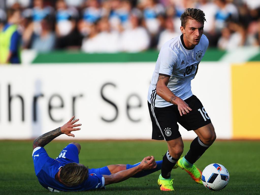Maximilian Philipp (r.) hofft auf einen guten Start der deutschen U21-Elf