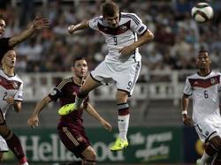 Timo Werner (M.) kann das EM-Aus der U19 nicht verhindern
