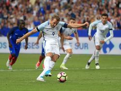 Harry Kane hace un gol de penalti con Inglaterra. (Foto: Imago)