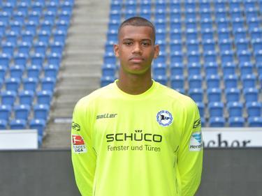 Torhüter Baboucarr Gaye hat einen Profivertrag in Bielefeld unterschrieben