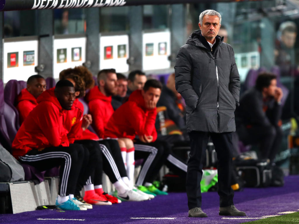 Man United lässt Chelsea im Titelkampf zittern