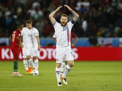 Aron Gunnarsson freut sich über einen Punkt gegen Portugal