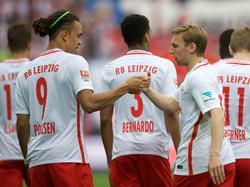Yussuf Poulsen (l.) und Emil Forsberg freuen sich über ihre starke Saison