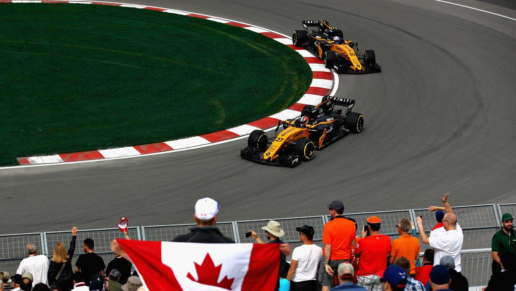 Ein Renault jagt den anderen