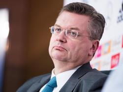 DFB-Chef Grindel: Man sollte den Fußball nicht überhöhen