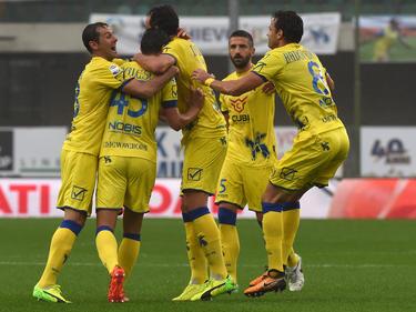 Los jugadores del Chievo celebran su triunfo ante los suyos. (Foto: Getty)