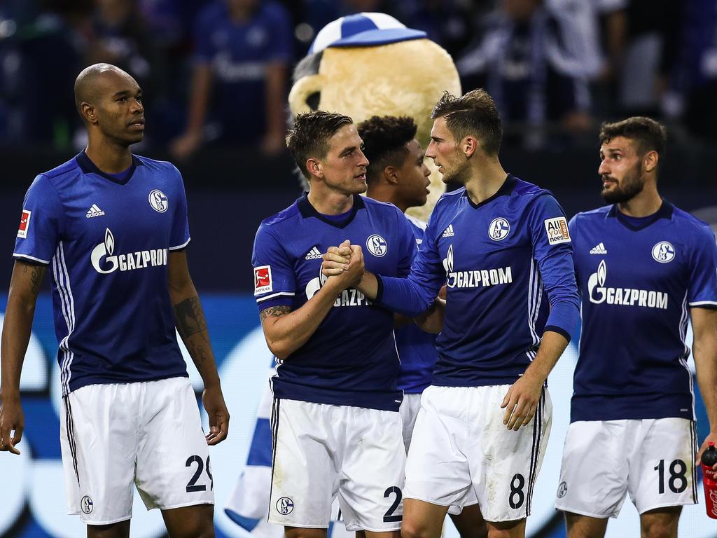 Schalke verliert gegen die Bayern, Gladbach besiegt den VfB Stuttgart..