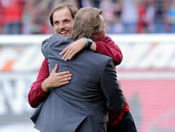 Ein heute kaum noch vorstellbares Bild: Thomas Tuchel umarmt FSV-Boss Harald Strutz