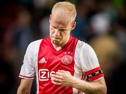 Davy Klaassen baalt van het 2-2 gelijkspel van Ajax tegen Roda JC. (13-08-2016)