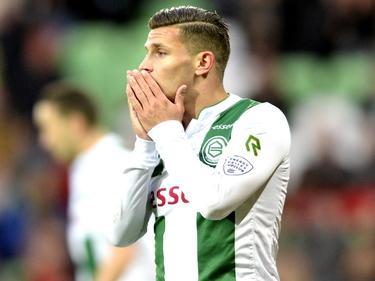 Bryan Linssen baalt van een gemiste kans tijdens FC Groningen - NEC. (05-04-2017)