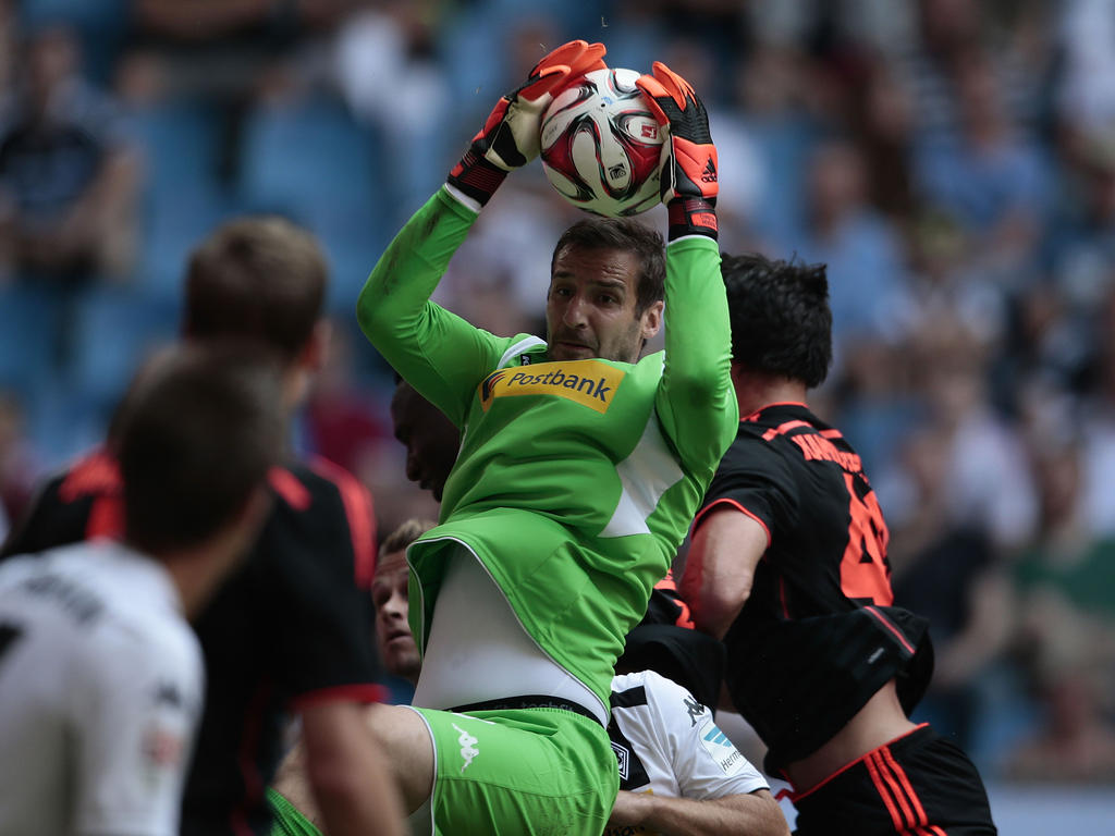 Fußball : Mönchengladbach verlängert Vertrag mit Torhüter Heimeroth
