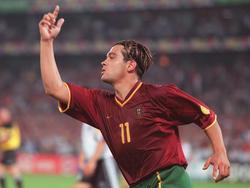 Sergio Conceição entscheidet 2000 die Partie gegen Deutschland mit drei Toren