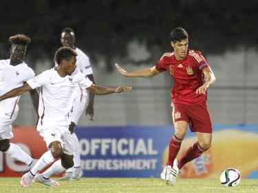 Mikel Merino (r.) im Trikot der spanischen U19-Nationalmannschaft