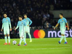 Noch immer hängen die Köpfe von Messi und Suárez nach der Klatsche in Paris