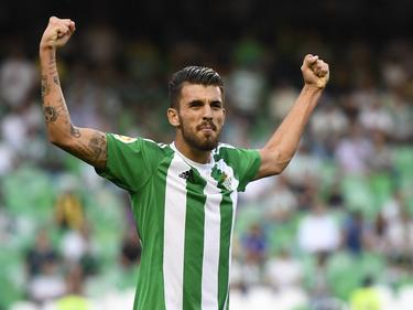 Dani Ceballos celebra una victoria en el Benito Villamarín. (Foto: Imago)