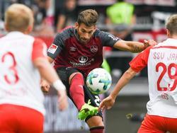 Der 1. FC Nürnberg hat die Tabellenspitze der 2. Bundesliga erobert