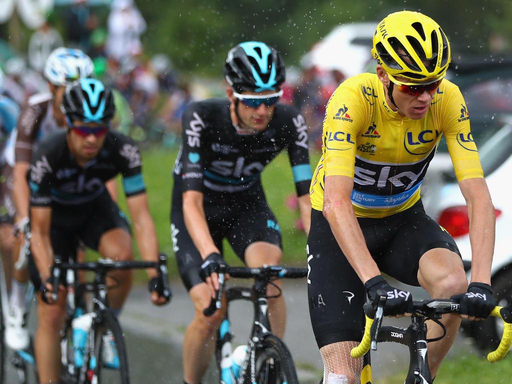 Chris Froome (r.) und sein Sky-Team dominierten die 103. Tour de France