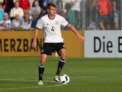Maxim Leitsch wird vom VfL zum Profi befördert