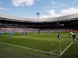 Kapitäne fordern: In den Niederlanden soll weiter auf echtem Rasen gespielt werden