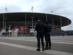 Polizei vor dem Stade de France - ein mittlerweile gewohnter Anblick