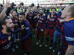 Nach dem Schlusspfiff gab es für die Spieler des FC Barcelona kein Halten mehr