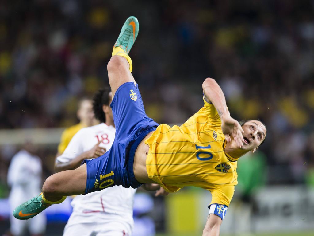 Zlatan Ibrahimović kurz nach seinem legendären Fallrückzieher