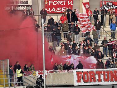 Fortuna-Fans zünden Rauchtöpfe in Paderborn