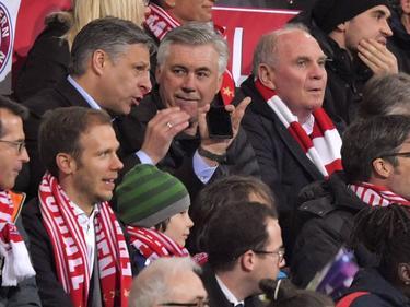Hoeneß, Ancelotti und Co. saßen beim Spiel der FCB-Frauen im Publikum